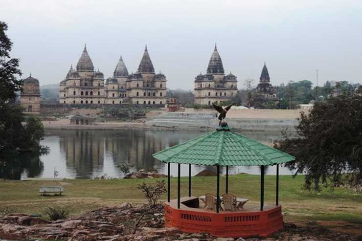 Gwalior -Orchha -Khajuraho with Varanasi Tour Package